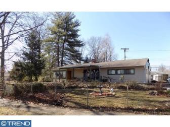Photo of 305 Blue Ridge Drive, Levittown PA