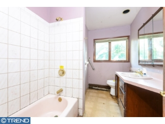 Photo of 38 Rust Hill Road, Levittown PA