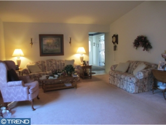 Photo of 207 Hilltop Circle, Columbus NJ